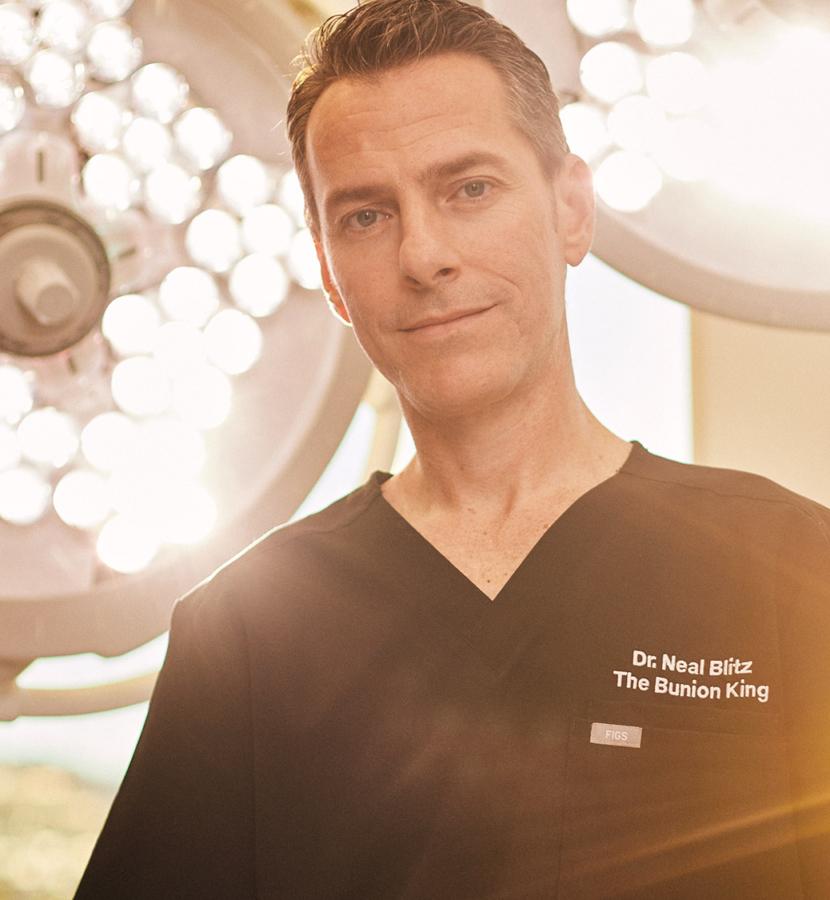 Dr. Blitz standing in Beverly Hills Golden Surgery Center OR